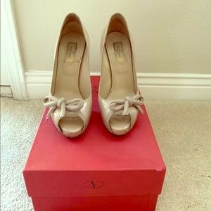 Valentino Nude Pumps with Bow — Size 38.5